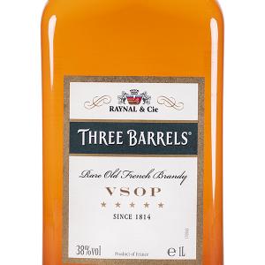 Brandy Three Barrels VSOP Plástico 1 Litro