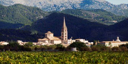 pueblo-Enoturismo-Binissalem-Mallorca-Torres